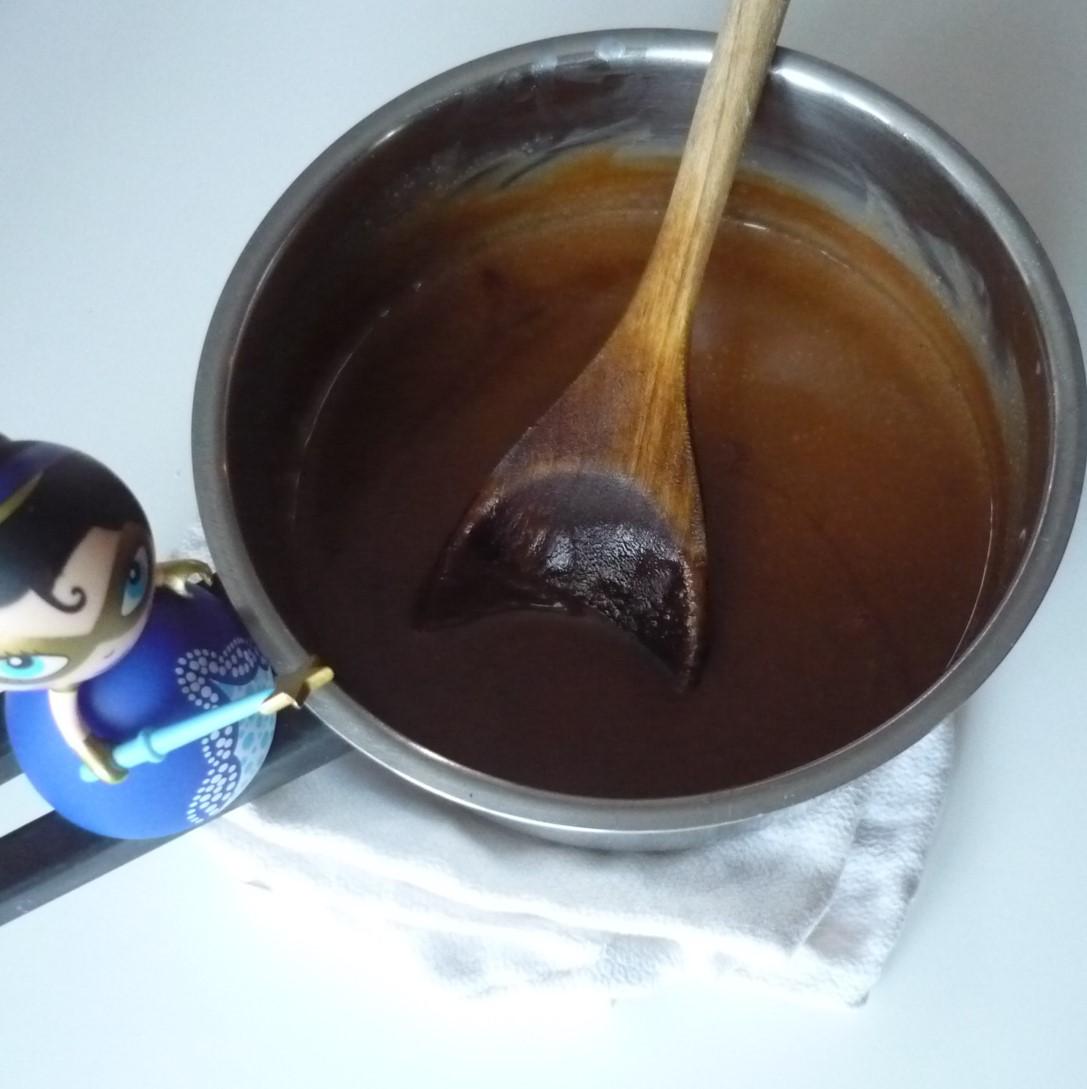 Pot de caramel délicieux